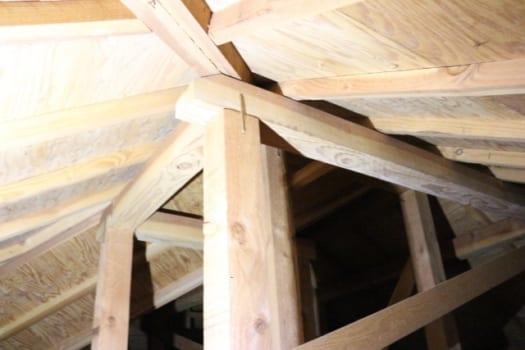 垂木が傷む原因1:雨漏り