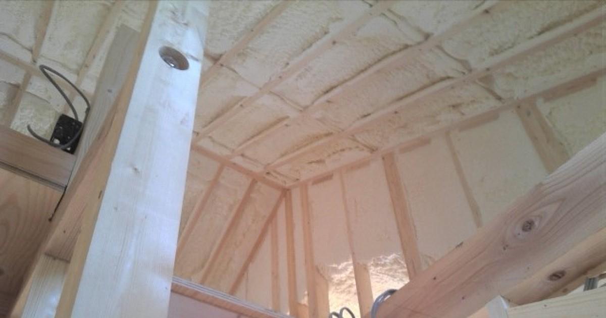 垂木のサイズは屋根の種類によって変わる!DIYでの修理はやめよう