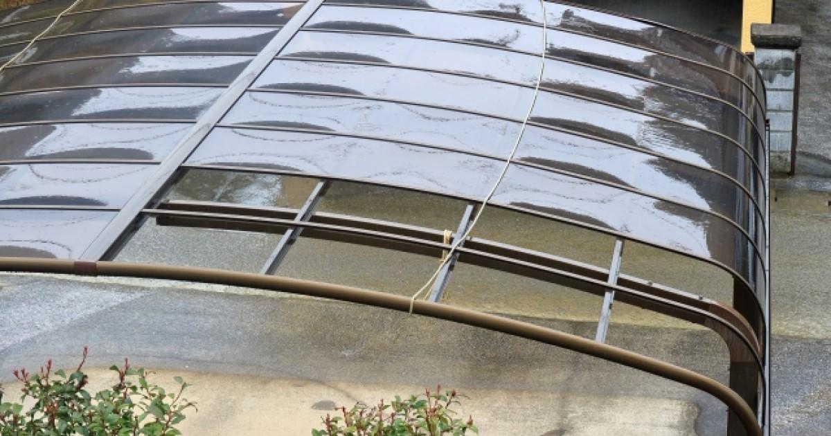 カーポート屋根修理DIY法と業者の費用相場!火災保険の適用条件も
