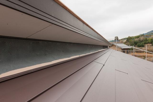 ほかの屋根材への交換も手段のひとつ