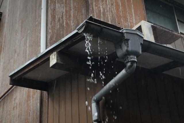 雨漏り原因特定マニュアル|3つの場所別にわかる原因・修理費用
