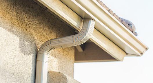 雨樋の種類は意外と豊富なんです。雨樋修理の前に知りたい、修理の方法や費用の目安とは??