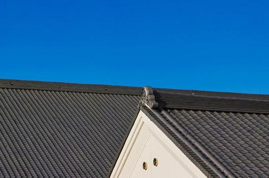 雨漏りしにくい屋根はどれか? 屋根の種類と雨漏り被害の関係性とは