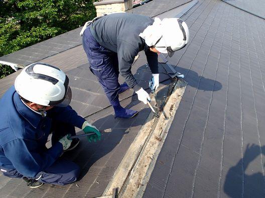 雨漏りが起きたら屋根のリフォームを