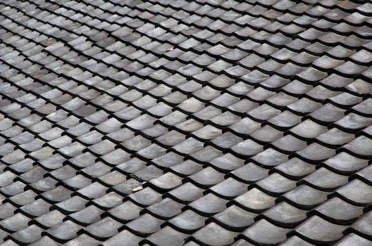 昔からよく使われている瓦屋根