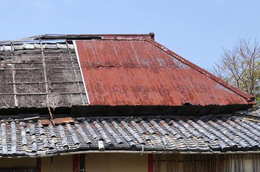 雨漏りの大きな原因になる屋根